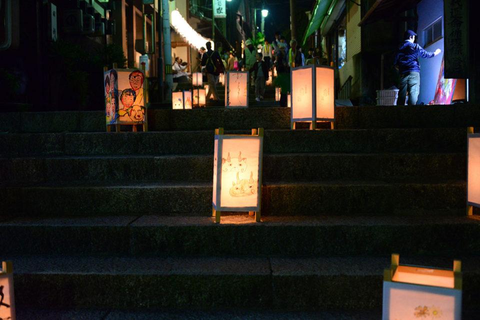 階段の燈篭